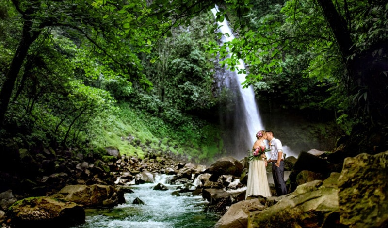 Gift Your Bride an Amazing Destination Wedding in Costa Rica